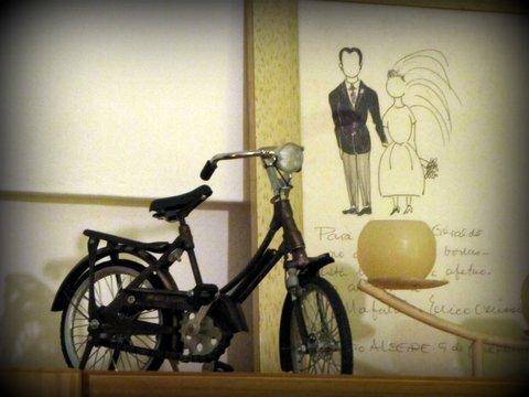 Érico Verríssimo desenha o casal: véu e casaca