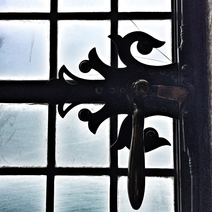 ANA LUIZA GILBERT foto de uma fechadura LINDAAAAAAAAAAAAA.jpg