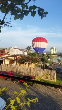 balão perto perto