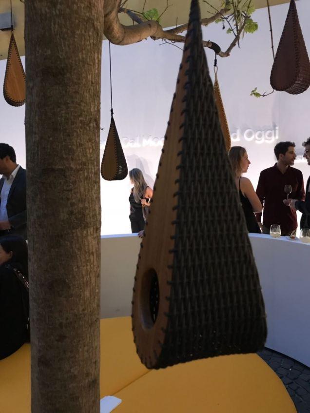 Exposição em Milão casas de passarinhoooooo