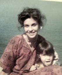 aquela foto bonita com a Joana pequena