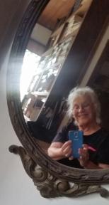 eu no espelho sem efeito a mesma foto